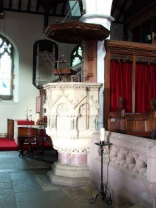 Ulverston parish church Pulpit used by G Fox ⒸMatthew Emmott